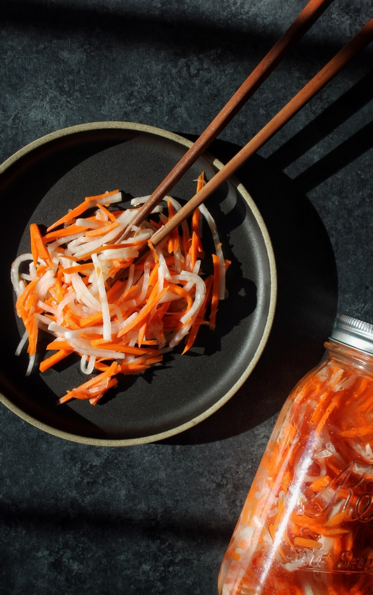 Sugar-Free Pickled Daikon & Carrots (Do Chua)