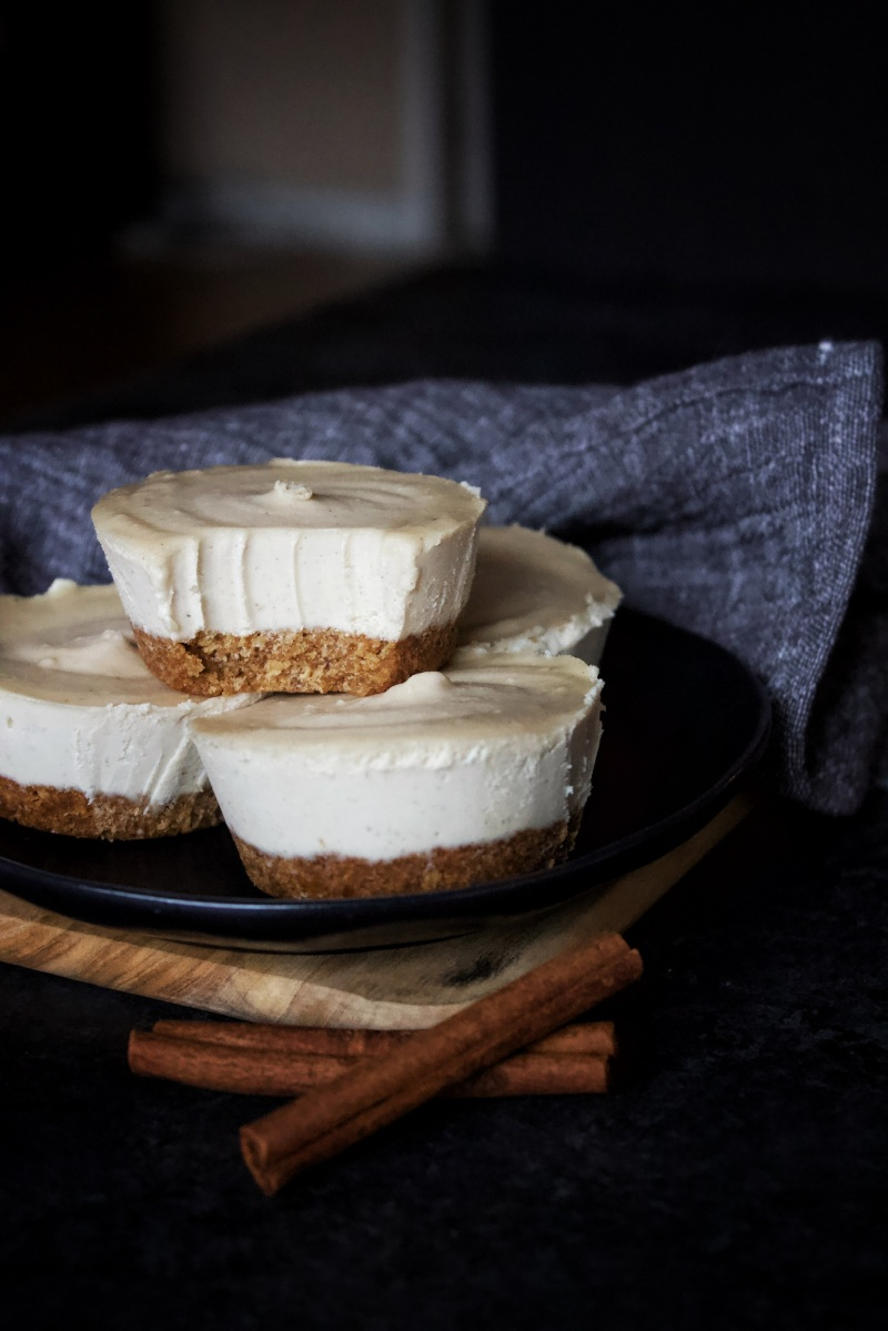 Mini Chai-Spiced Cheesecakes with Graham Cracker Crust (vegan)